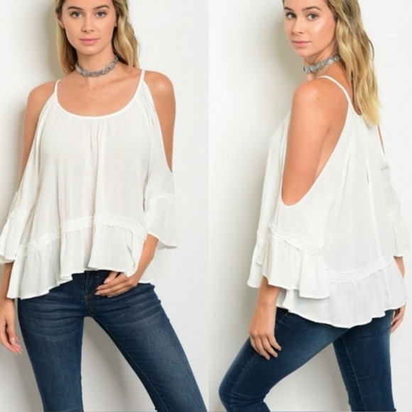 98bf2f65a3304 Flirty   Girly white Boho Peasant Blouse w  Lace!